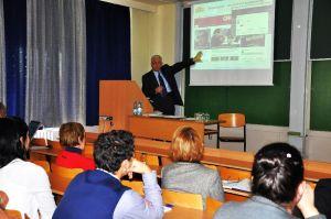 Barát Tamás György – Budapest, 1947. március 1. – kommunikációs szakember, újságíró, tanár. 1965 óta dolgozik az alkalmazott kommunikáció különböző területein.