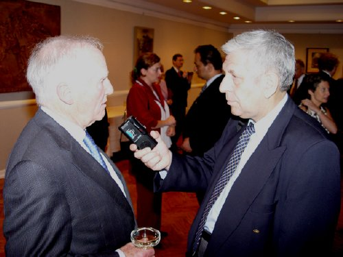 Interjú – George H. Walker az Egyesült Államok Budapestre akkreditált nagykövete – New York 2004