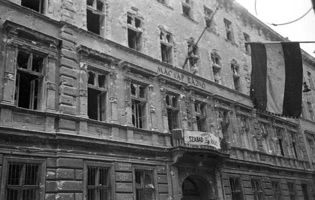 Budapest Bródy Sándor utca 5-7., Magyar Rádió a harcok után. A kép forrása: FORTEPAN